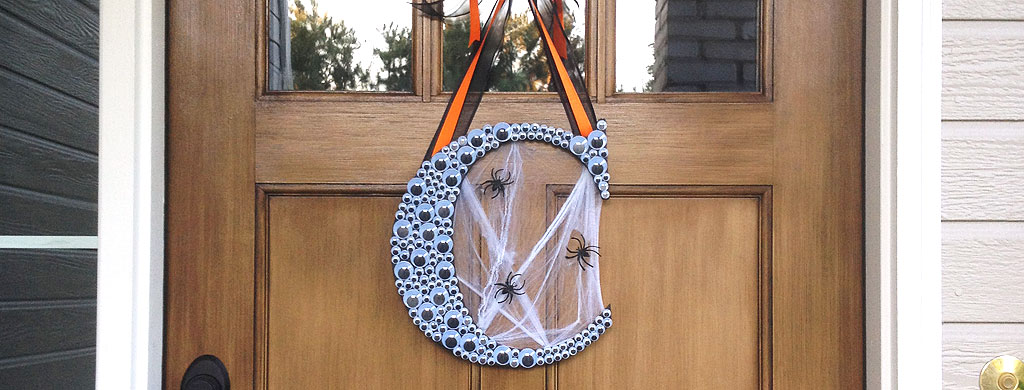 Fun and easy to make Halloween Monogram Wreath with Googly Eyes   CraftCuts.com