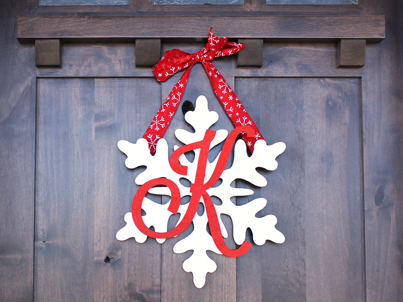 Create A Snowflake Monogram Wreath | Create A Snowflake Monogram Wreath |  CraftCuts.com