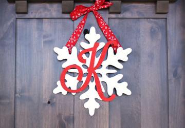Snowflake-Monogram-Thumb