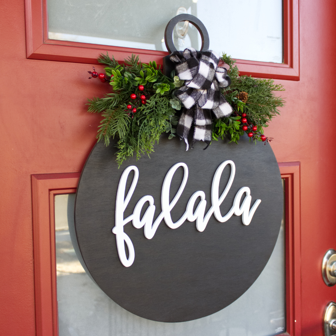 Diy Holiday Door Hanger Holiday Decor Craftcuts Com